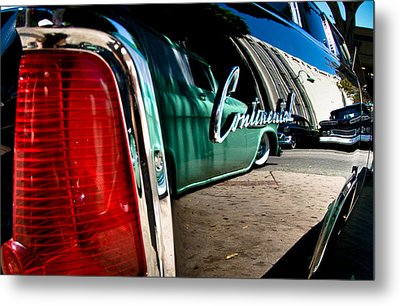 Showlow And Tribe In The Mirror Metal Print by Michael Kerckaert