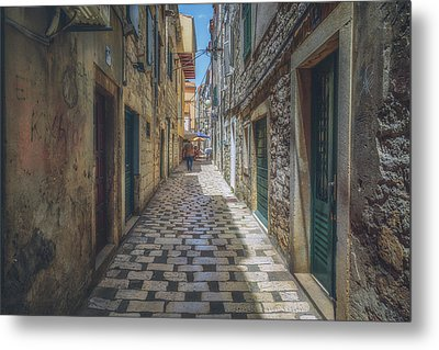 Sibenik Alleyway No 1 Metal Print by Chris Fletcher