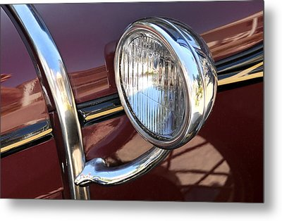 Sidelight Metal Print by Dan Holm