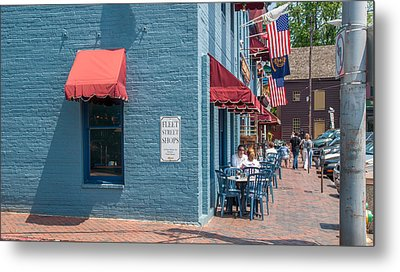 Metal Print featuring the photograph Sidewalk Cafe Annapolis by Charles Kraus