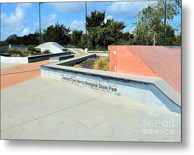 Metal Print featuring the photograph Skate Park by Ray Shrewsberry