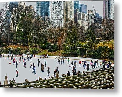 Skating At Central Park Metal Print