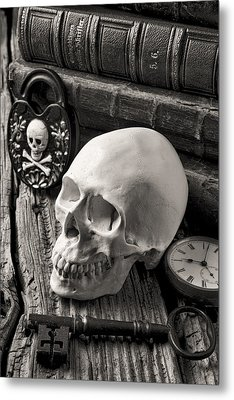 Skull And Skeleton Key Metal Print by Garry Gay