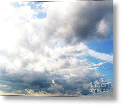 Metal Print featuring the photograph Sky 1 by Rod Ismay