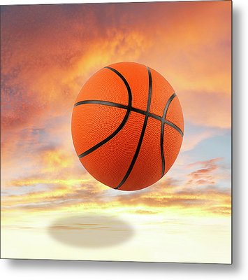 Sky Basketball  Metal Print by Les Cunliffe