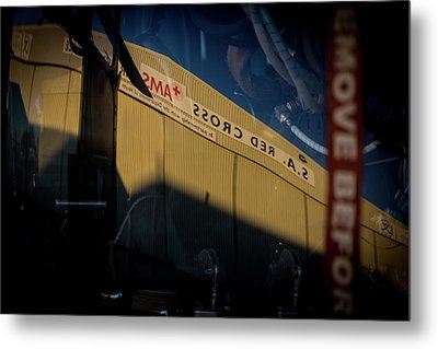 Metal Print featuring the photograph Sma Ssorc Der As by Paul Job