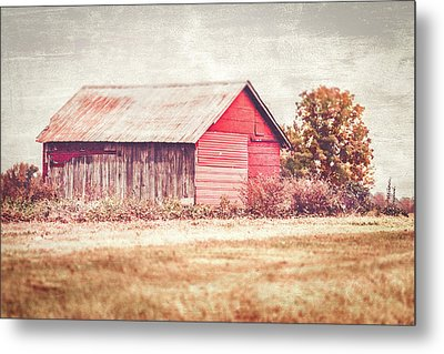 Small Red Barn Metal Print by Andrea Kappler