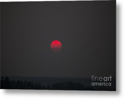 Smokey Red Sun Metal Print