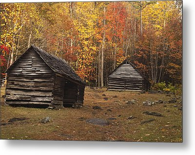 Smoky Mountain Cabins At Autumn Metal Print by Andrew Soundarajan