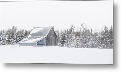 Snowy Barn Metal Print by Dan Traun