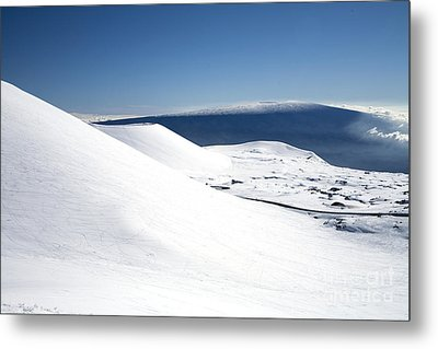 Snowy Mauna Kea Metal Print by Peter French - Printscapes