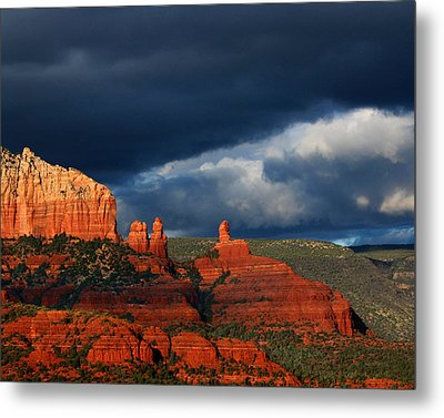 Metal Print featuring the photograph Soldiers' Pass by Tom Kelly