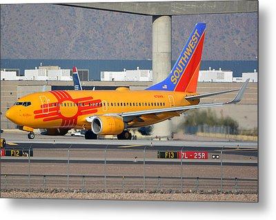 Southwest Boeing 737-7h4 N781wn New Mexico Phoenix Sky Harbor January 17 2016 Metal Print by Brian Lockett