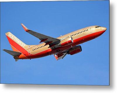 Southwest Boeing 737-7h4 N792sw Retro Gold Phoenix Sky Harbor January 21 2016 Metal Print by Brian Lockett