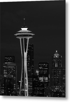 Space Needle At Night In Black And White Metal Print by Mark J Seefeldt