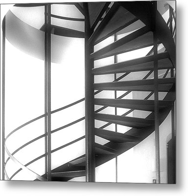 Spiral Staircase In Ethereal Light Metal Print by Lori Seaman