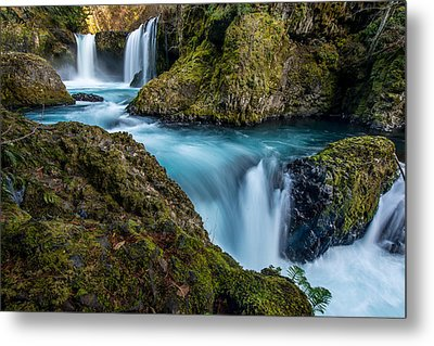 Spirit Falls Columbia River Gorge Metal Print by Rick Dunnuck
