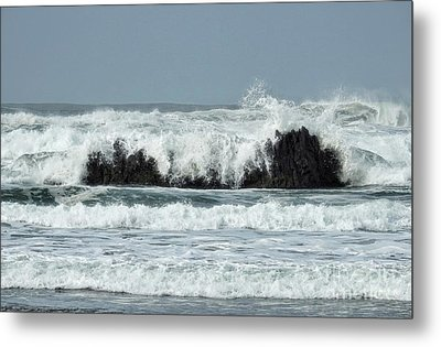Metal Print featuring the photograph Splash by Peggy Hughes