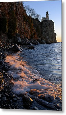 Split Rock Lighthouse At Dawn Metal Print by Larry Ricker