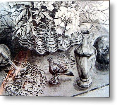 Spring Arrangemnt Metal Print by Linda Shackelford