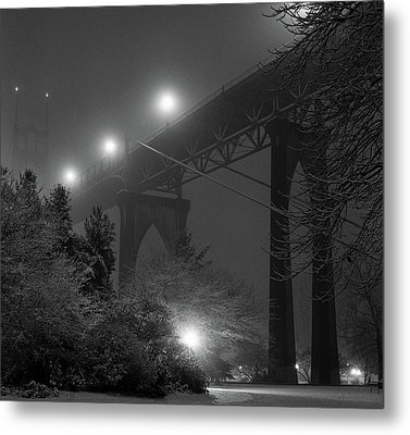 St. Johns Bridge On Snowy Evening Metal Print by Zeb Andrews