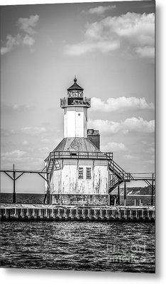 St. Joseph Michigan Lighthouse In Black And White Metal Print by Paul Velgos