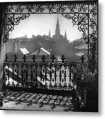 St Louis Cathedral In Frame Metal Print