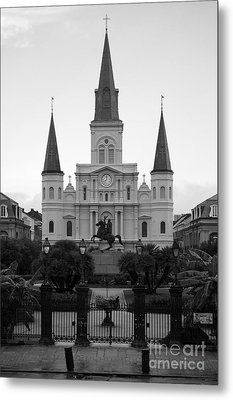 St Louis Cathedral On Jackson Square In The French Quarter New Orleans Black And White Metal Print