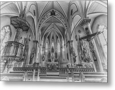 St Mary's Church Sanctuary - Bw 2 Metal Print by Stephen Stookey