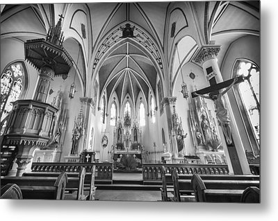 St Mary's Church Sanctuary - Bw Metal Print by Stephen Stookey