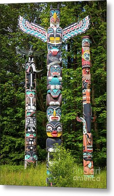 Stanley Park Totems Metal Print by Inge Johnsson
