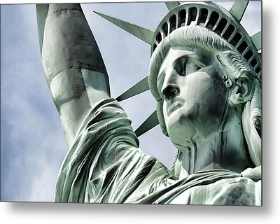 Statue Of Liberty 2 Metal Print by Lanjee Chee