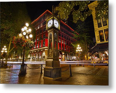 Steam Clock In Historic Gastown Vancouver Bc Metal Print by David Gn
