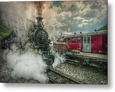 Metal Print featuring the photograph Steam Engine by Hanny Heim