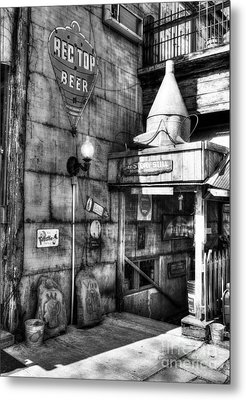 Still At Story Bw  Metal Print by Mel Steinhauer