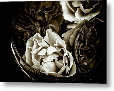 Still Life With Roses Metal Print by Frank Tschakert