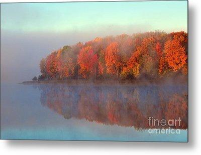 Stoneledge Lake Pristine Beauty In The Fog Metal Print