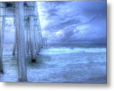 Stormy Pier Metal Print by Larry Underwood