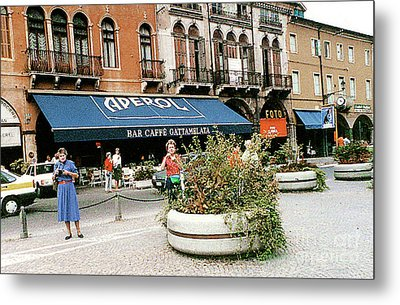 Metal Print featuring the photograph Street Scene In Padua, Italy by Merton Allen