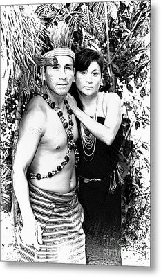 Metal Print featuring the photograph Sucua Shaman And Spouse by Al Bourassa