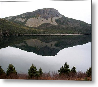 Metal Print featuring the photograph Sugarloaf Hill Reflections by Barbara Griffin