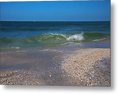Metal Print featuring the photograph Summer At The Shore by Michiale Schneider