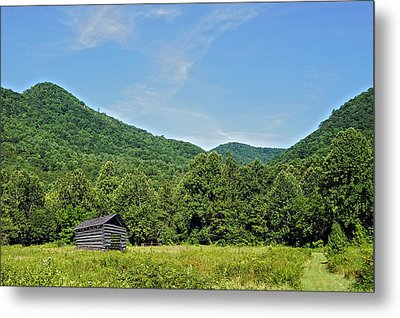 Summer Barn Metal Print by Susan Leggett
