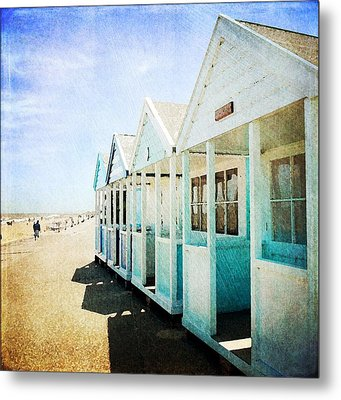 Metal Print featuring the photograph Summer Breeze by Anne Kotan
