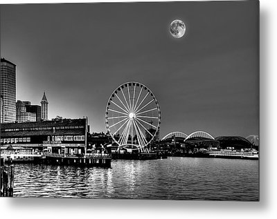 Summer Eve On The Seattle Waterfront Metal Print