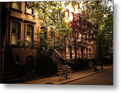 Summer In New York City - Greenwich Village Metal Print by Vivienne Gucwa