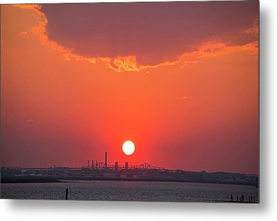 Sun Setting Over The Tobin Bridge From Winthrop Ma Metal Print by Toby McGuire