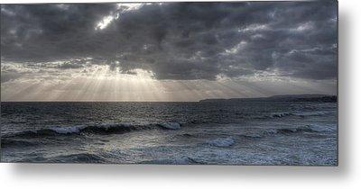 Sunbeams Over Pacific Ocean Metal Print