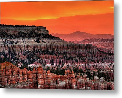 Sunrise At Bryce Canyon Metal Print