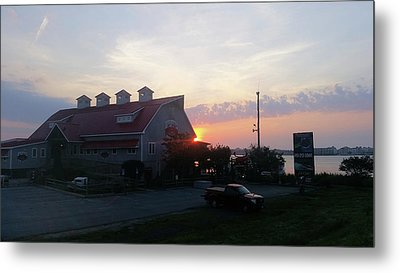 Sunrise At Hooper's Crab House Metal Print by Robert Banach